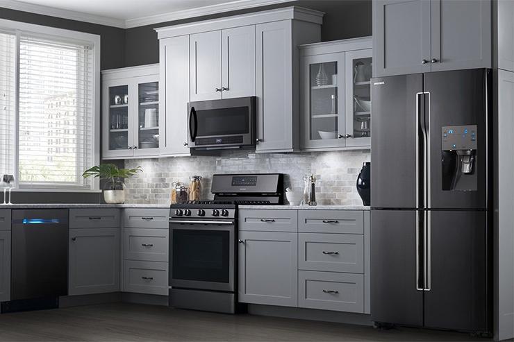 kitchen-trends-black-stainless-steel-appliances